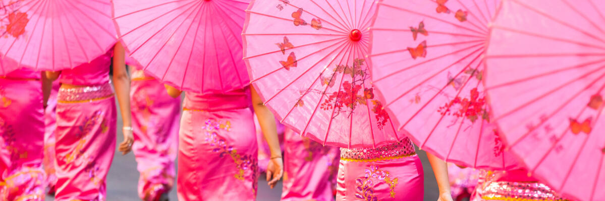Women in Dai-style qipao at the annual Kunming Carnival (image from Yereth Jansen)