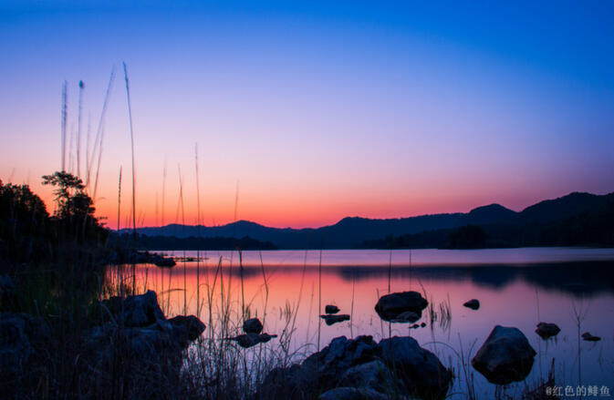 The winning photo in the category 'Nature' is Changhu Sunrise by GoKunming user Red Herring