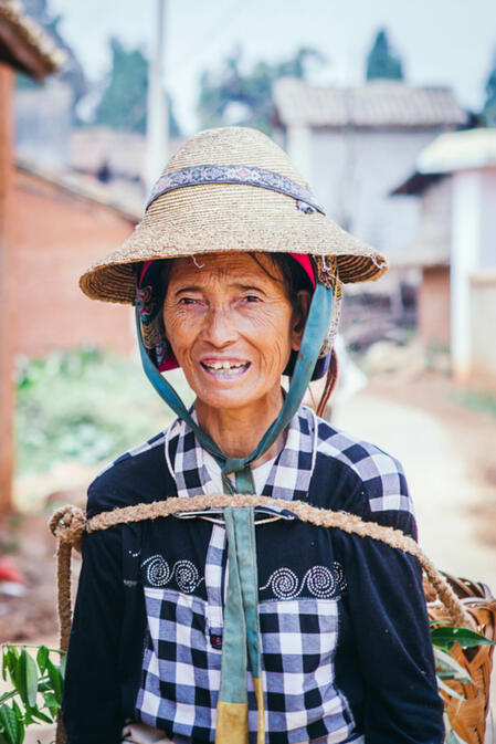 The winning image for week 2 is Local Smile by GoKunming user AnneSophie