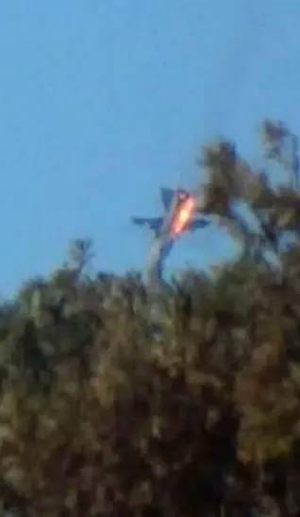An image widely circulated on Chinese social media, purportedly showing a Burmese fighter jet being shot down over Yunnan
