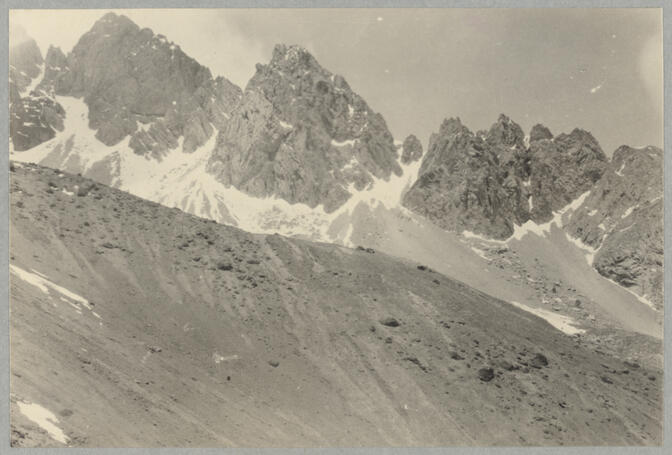 Mountain range May 1922