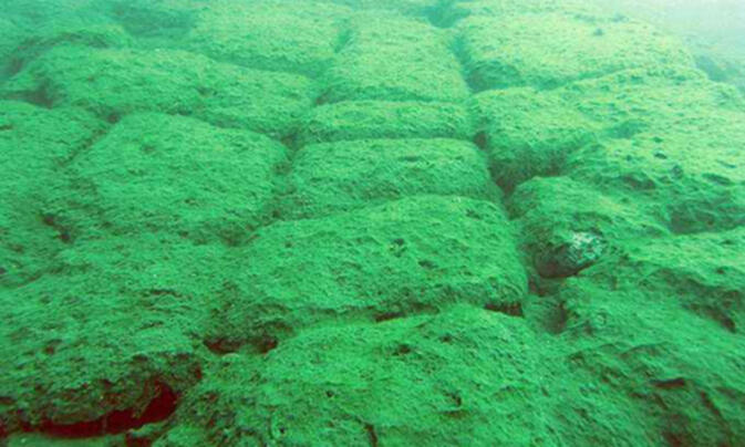Remnants of the underwater 'lost city' in Yunnan province's Fuxian Lake