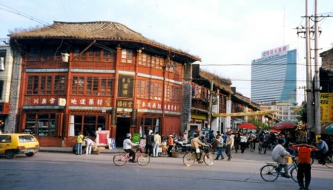 Kunming historical building near Bird and Flower market