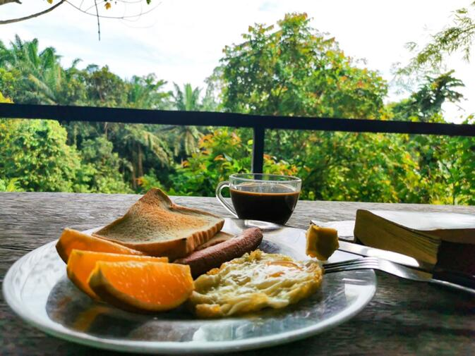 Sepilok Nature Lodge breakfast