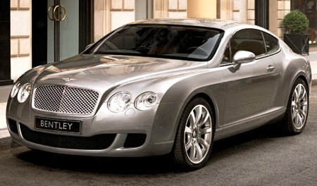 A Bentley Continental GT, similar to a 5-million-yuan hybrid model purchased on-sight last week by a customer in Kunming