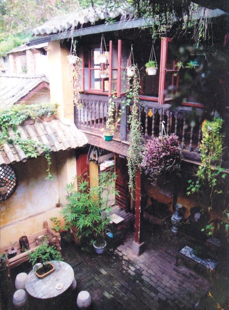 The courtyard of the Bird and Flower Market incarnation of Pizza da Rocco, which was located in a Qing Dynasty home