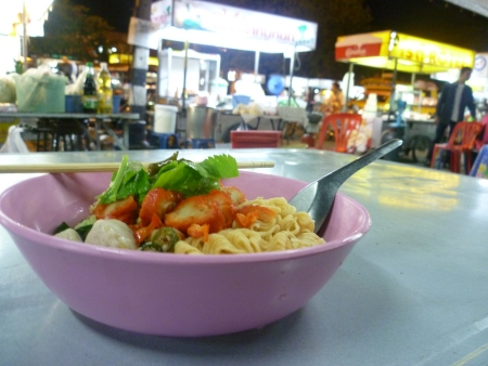 Cheap street food at Chiang Mai Gate Market