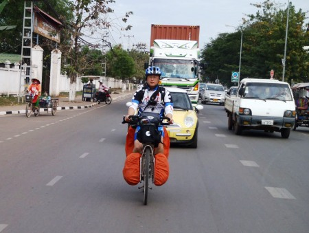 Teammate Hai Dong in Vientiane traffic