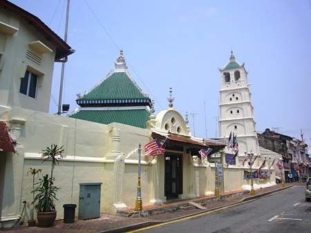 A Melaka mosque with Daoist influences
