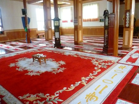 Inside Xizhou's only mosque