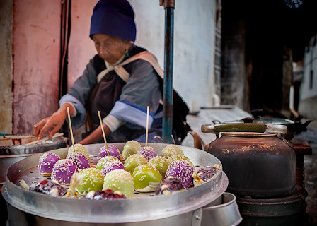 Old town vendors offer an endless variety of snacks (photo: Michael Steverson)