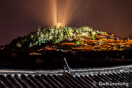 Nightly view of Lion Hill (photo: Yereth Jansen)