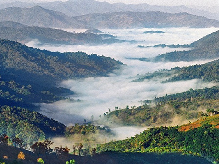 A cloud-shrouded valley in Pu'er