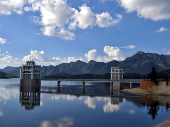 Yunlong reservoir, located rougly 80 kilometers west of Dali