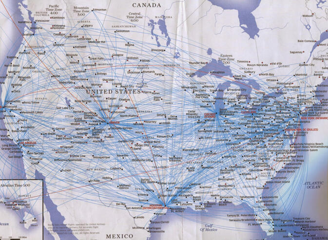 United Airlines' overpacked map of US domestic air routes