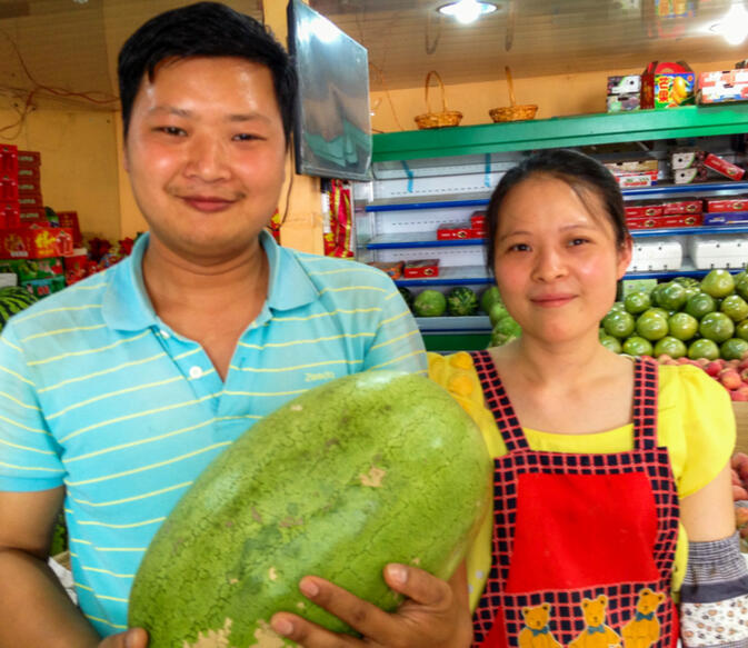 A glimpse into the life of a Kunming fruit seller - GoKunming