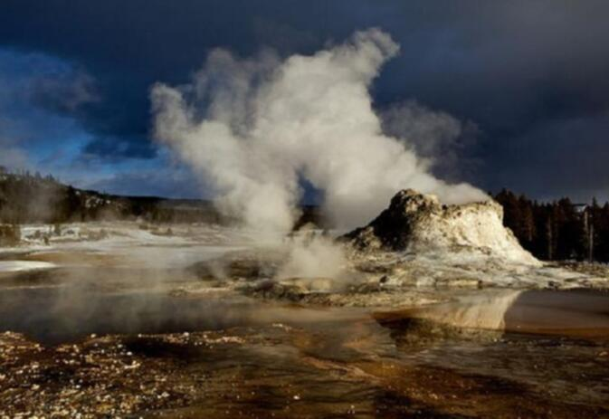 A geothermal geyser in Yellowstone National Park