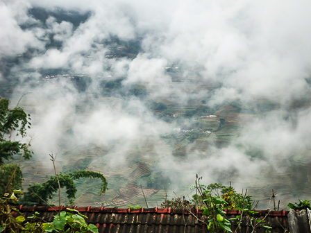 Among the clouds, Dahu Village