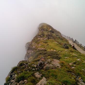 Nearing the peak of Jiaozi Snow Mountain (image credit: Philippe Semanaz)