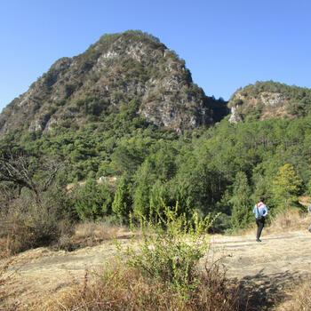 Approaching Saddle Mountain